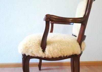Stuhl neu bezogen - neu-nachher mit Fell - Referenz Autosattlerei Liehr, Wehr