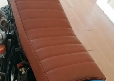 Motorradsitzbank komplett neu aufgebaut